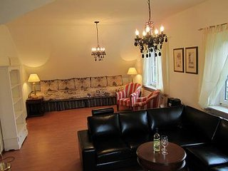 LLAG Luxury Vacation Apartment in Wolnzach - 1076 sqft, quiet, comfortable - Wolnzach vacation rentals