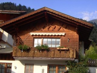 Vacation Apartment in Garmisch-Partenkirchen - 990 sqft, quiet yet central - Garmisch-Partenkirchen vacation rentals