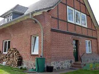 LLAG Luxury Vacation Apartment in Hof Kreien - 409 sqft, natural materials - Plau vacation rentals