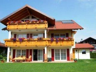 LLAG Luxury Vacation Apartment in Schwangau - 506 sqft, comfortable, exclusive - Schwangau vacation rentals