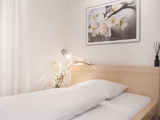 Single Room in Munich - 172 sqft, hotel service, great location, modern - Eichenau b Muenchen vacation rentals