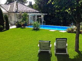 Vacation Apartment in Starnberg - 646 sqft, a few minutes from center, pool may - Starnberg vacation rentals