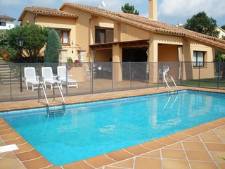 L.A. Lux Complex Villa and Appartments - Mont Barbat vacation rentals
