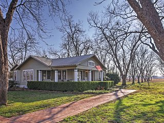 NEW! 'Nuthouse' 3BR Maxwell House on Pecan Orchard - Maxwell vacation rentals