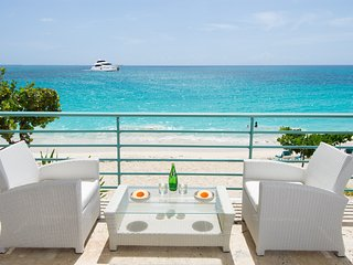 SUR MER * Coco's Beach Club... gorgeous beach front condo on beautiful Simpson - Simpson Bay vacation rentals