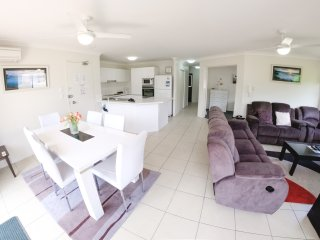 Three Bedroom apartment in Currumbin minutes from the beach - 2 - Currumbin vacation rentals