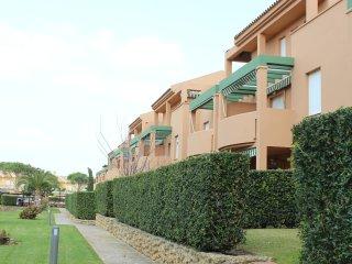 Apartamento Mijares en Residencial Jardines del Golf - Chiclana de la Frontera vacation rentals
