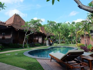 Nice Villa with Housekeeping Included and Television - Kemenuh vacation rentals