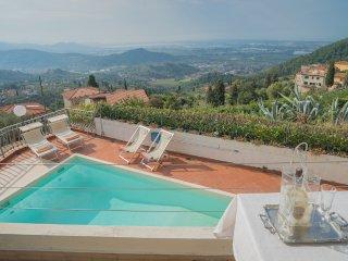 Perfect 3 bedroom Villa in Corsanico - Corsanico vacation rentals