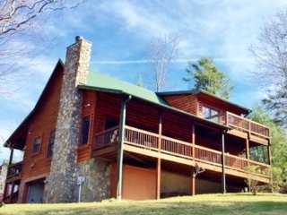 Feb-March $50 OFF 3-6 NT-Evening Sky on High-4br,2.5ba,Views,GameRoom,near Boone - Fleetwood vacation rentals