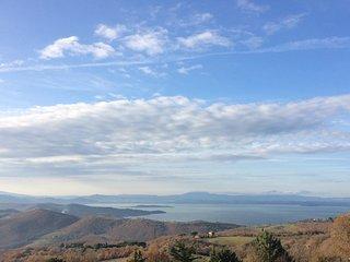 "Casa ""Lydia"" vista lago Trasimeno - Castel Rigone vacation rentals"
