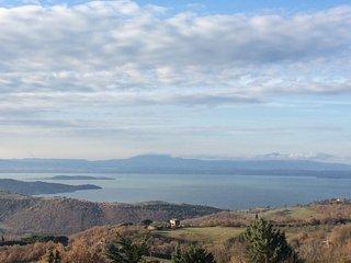 "Casa ""Aurora"" vista lago Trasimeno - Castel Rigone vacation rentals"
