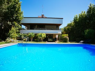 Nice Villa with Satellite Or Cable TV and Garage - Hondarribia vacation rentals