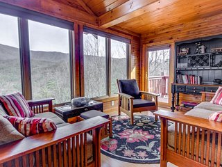 Secluded cabin w/ shared seasonal pool, wood-burning fireplace & stunning views - Wears Valley vacation rentals