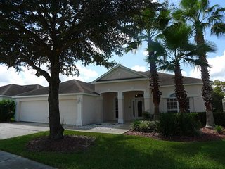 Highlands Reserve 5/3 Pool Home property, fully furnished, with full kitchen, and all linens and towels - Davenport vacation rentals