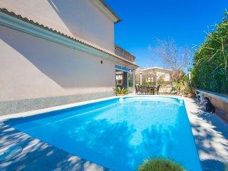 ES REPOS DEN BALTI - Villa for 6 people in Platges de Muro - Playa de Muro vacation rentals