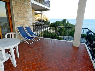 Stunning 2 Bedrooms 2 Bathrooms Sea View - Ospedaletti vacation rentals