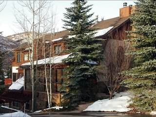 Gorgeous Home with Spendid Valley Views, Newly Remodeled (208807) - Vail vacation rentals
