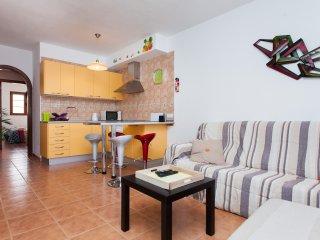 2 Bedrooms Apartment Las Gaviotas - El Cotillo vacation rentals