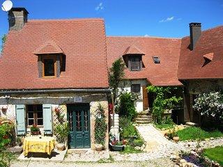Les Gites Fleuris- Petite Rose - 18c stone cottage - Hautefort vacation rentals