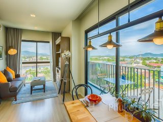 Cozy Condo with Internet Access and Water Views - Chalong vacation rentals