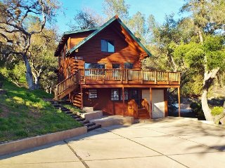 Tomos Landing - Walk to the Oak Shores Marina and clubhouse - Lake Nacimiento vacation rentals