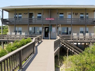 Charming House with Deck and Internet Access - Emerald Isle vacation rentals
