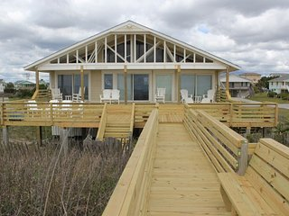 Wonderful House with Deck and Internet Access - Emerald Isle vacation rentals
