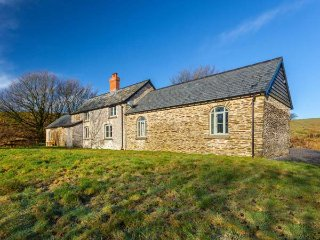 LIMECOMBE spacious detached property, secluded location, five bathrooms - Simonsbath vacation rentals
