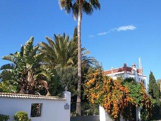EL APARTAMENTO - lovely garden apartment + Wi-Fi - Motril vacation rentals