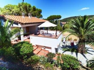 appartamento in villa vicino al mare - Procchio vacation rentals