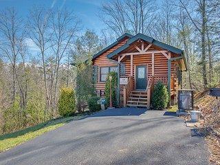 Amazing Grace  - Private Romantic Cabin - Gatlinburg vacation rentals