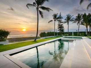 Villa Vedas Beach Front Villa By Bali Villas Rus - Kediri vacation rentals