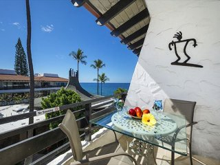 Casa De Emdeko 332- Amazing Oceanview, Top Floor, AC included! - Kailua-Kona vacation rentals