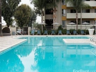 Semi-luxury 2 BD/2 BA in Koreatown - Los Angeles vacation rentals