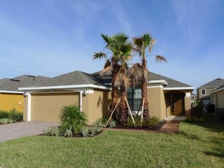 Victoria Woods at Providence 4/3 Pool Home property, fully furnished, with full kitchen, and all linens and towels - Davenport vacation rentals