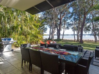 'Ambience on the Waterfront', 14 Danalene Parade - Corlette vacation rentals