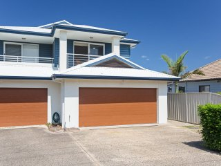 'Relax at Pacific', 1/26 Pacific Avenue - Anna Bay vacation rentals