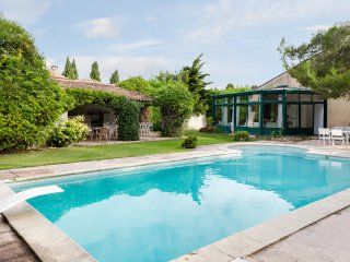 Provencal villa between Alpilles and Luberon - Alleins vacation rentals