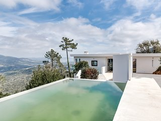 Magnificent contemporary villa in the Esterel Mass - frejus vacation rentals