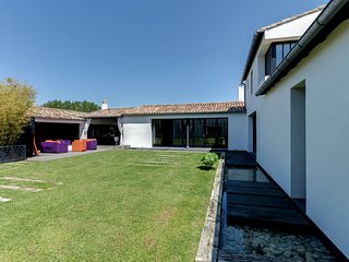 Nice House with Internet Access and Washing Machine - Les Portes-en-Re vacation rentals