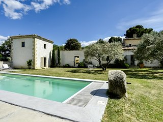 Charming House with Internet Access and Microwave - Vaugines vacation rentals
