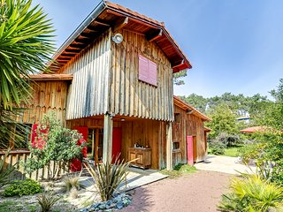 Charming House with Internet Access and Washing Machine - Lege-Cap-Ferret vacation rentals
