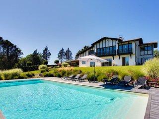Superbe maison basque vue exceptionnelle - Bassussarry vacation rentals