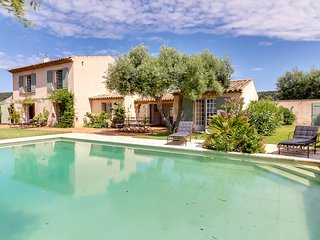 Comfortable House with Internet Access and Washing Machine - Saint-Maxime vacation rentals