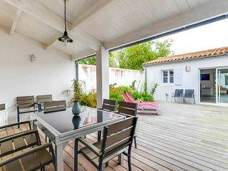 Accueillante maison familiale proche de la plage - La Couarde Sur Mer vacation rentals