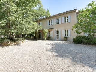 Provencal country house in the land of Cezanne - Beaurecueil vacation rentals