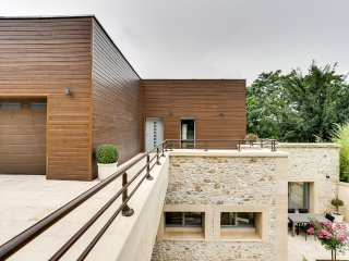Exceptional architect´s house on the banks of the - Triel-sur-Seine vacation rentals