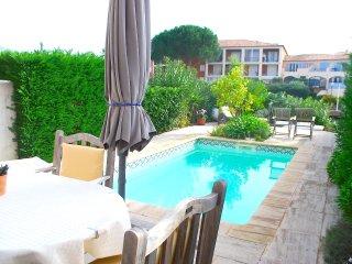 Nice 4 bedroom Port Grimaud Villa with Balcony - Port Grimaud vacation rentals