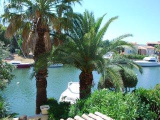 2 bedroom Condo with Water Views in Port Grimaud - Port Grimaud vacation rentals